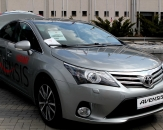 022-toyota-nowy-avensis
