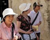 042-dubrovnik-tourists-from-asia