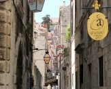 258-souvenir-shop-the-east-west-passageways-of-dubrovnik-are-narrow