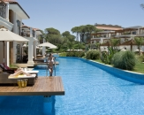 08-Ela-Quality-Resort-Hotel-Lakehouse-With-Pier