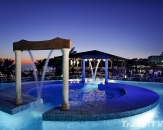 24-outdoor-pool-in-night
