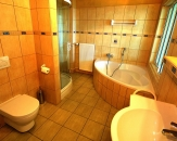 05-bathroom-hotel-Cingov