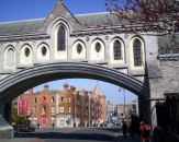 026-a-small-bridge-that-connects-the-two-buildings-of-the-christ-church-cathedral-in-dublin