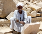 044-man-in-work-egypt