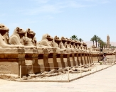 049-karnak-alej-so-sfingami