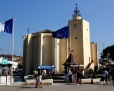 010-Place-de-l-Eglise-Port-Grimaud-France