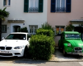 051-BMW-Citroen-rue-de-la-Desirade-Port-Grimaud