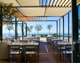52-outdoor-restaurant-radisson-blu
