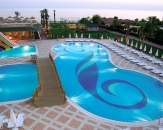 025-Holiday-Garden-Resort-Pool