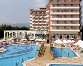 050-Holiday-Garden-Resort-General-View